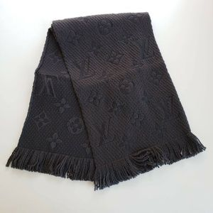 Louis Vuitton Logomania Winter Scarf - Black